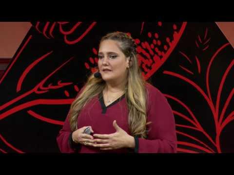 Resilencia en Acción | Montserrat Alberdi | TEDxSanPedroSula