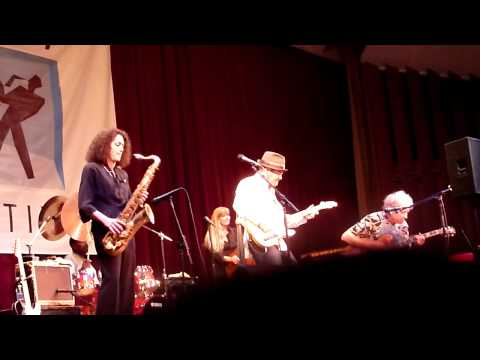 Ruth Davies Blues nite at Stanford - Elvin Bishop sings 7-22-09