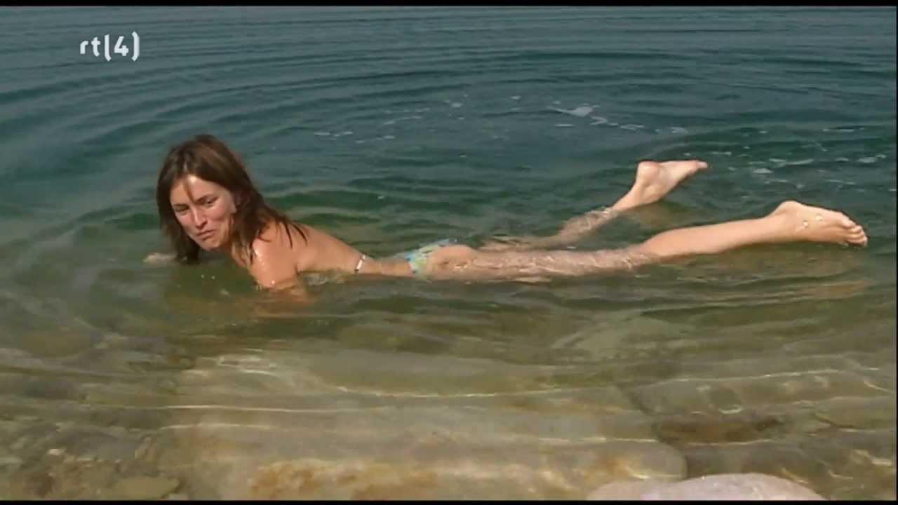 Daphne Bunskoek Bikini Dode Zee   YouTube