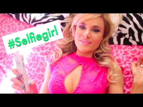 """Selfie Girl"" a ""Barbie Girl"" Parody"