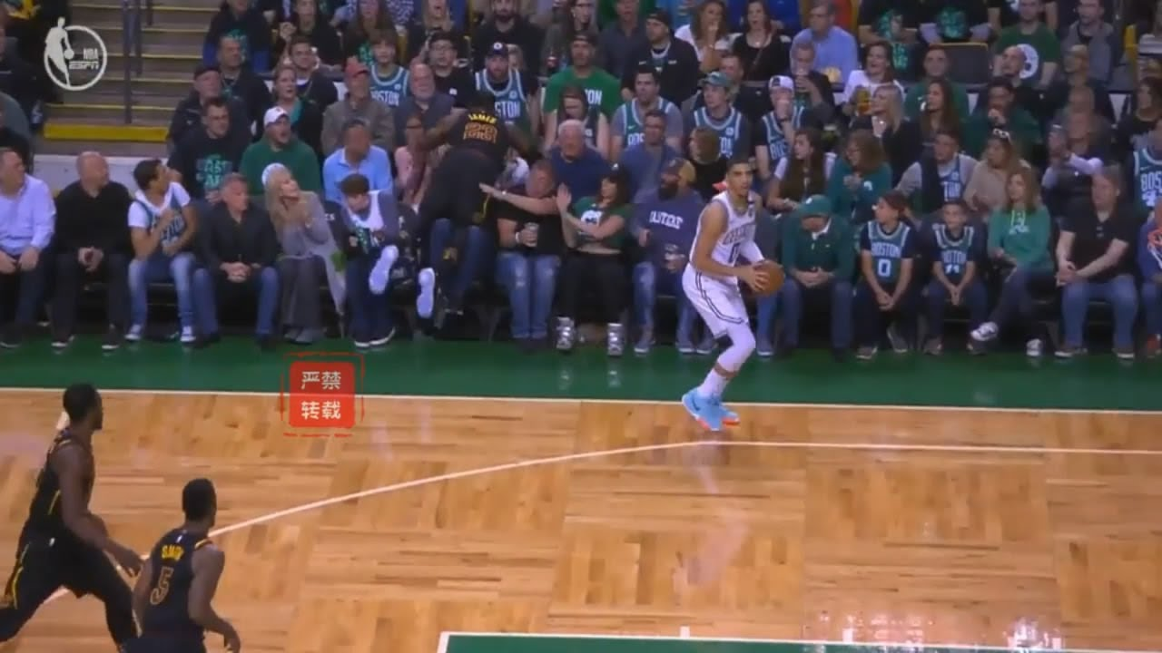 LeBron James Gets Standing Ovation From Celtics Crowd After Risking His Life To Save Ball