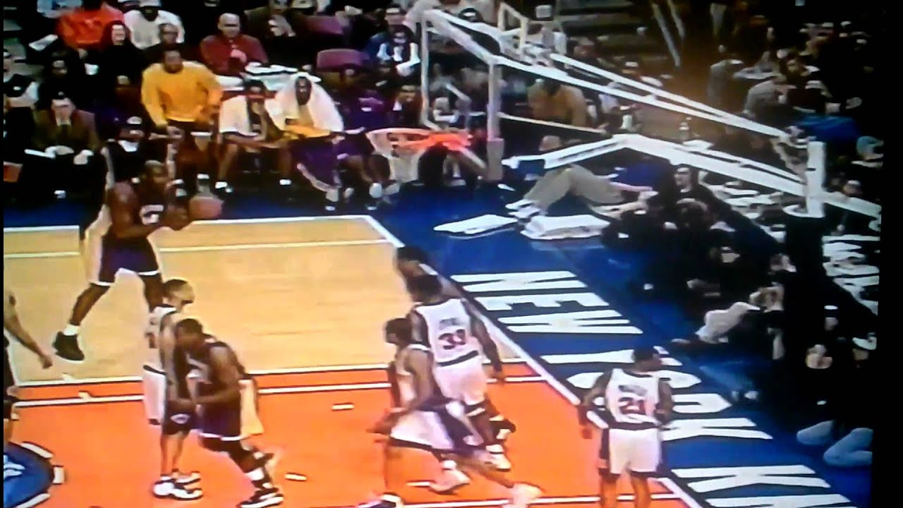 e931e2362329 Kobe dunks on Ewing - YouTube