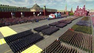 V-Day sulla Piazza Rossa. Parata del patriottismo putiniano