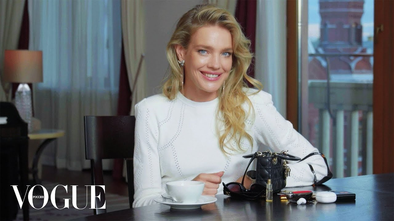 Валя Карнавал показывает повседневный макияж с акцентом на глаза  Vogue Россия
