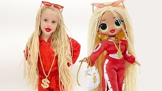Nastya berdandan seperti boneka