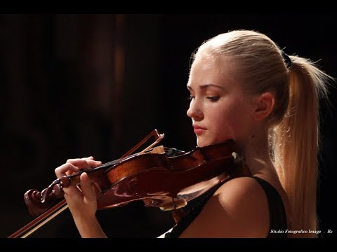 3 Beautiful & Talented Female Violinists I Recently Discovered