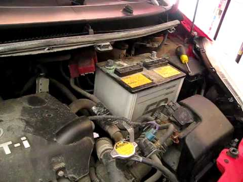how to replace install car battery on toyota yaris youtube. Black Bedroom Furniture Sets. Home Design Ideas