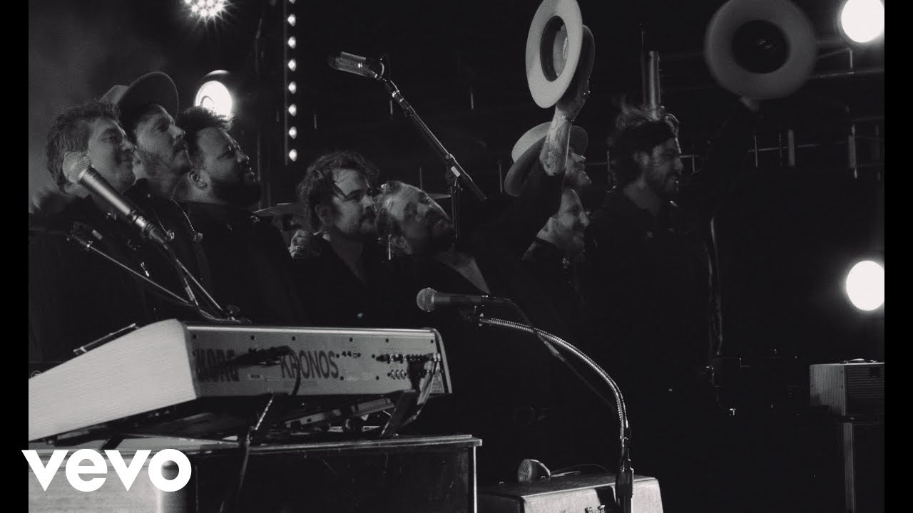 Nathaniel Rateliff & The Night Sweats - Love Don't (Official Music Video)