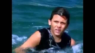 Baywatch S04E03 Lover's Cove - Lauren (Anndi McAfee) saves drowning Hobie Buchannon (Jeremy Jackson)