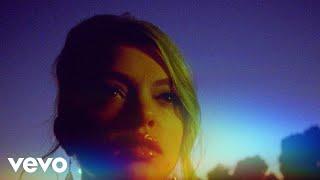 Смотреть клип Hey Violet - Queen Of The Night