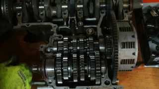 [И.М.] Разбираем двигатель, изучаем работу коробки передач