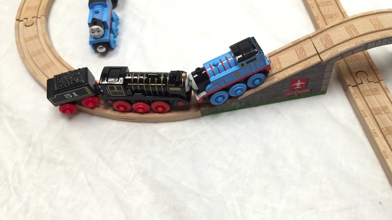 Thomas Wooden Railway Motorized Trains Hiro Vs Thomas Toy Train