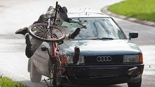 Велосипеды на дороге! Почему сбивают велосипедистов?(Причина наездов на велосипедистов элементарная невнимательность и не знание правил дорожного движения..., 2015-12-06T17:30:00.000Z)