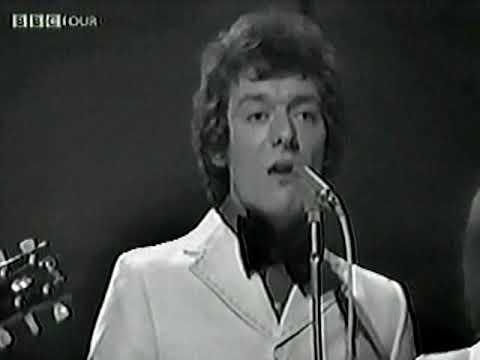 "the-hollies(1969-live-video-clip)--""stewball""(lyrics)"