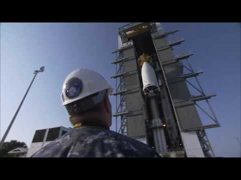 Atlas V MUOS-5 Payload Mate