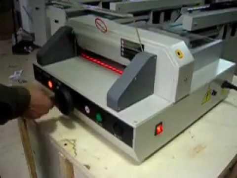 Machine Advantage EPC 3203E Tabletop Electric Paper Cutter, A Portable Paper Cutting Machine
