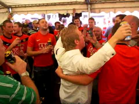 Manch. U fans singing Cantona song before Manchester Derby 2009 20.09.2009