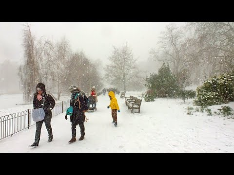 London Walk - 'BLIZZARD' at St James's Park as 'Beast from the East' brings HEAVY SNOW to London