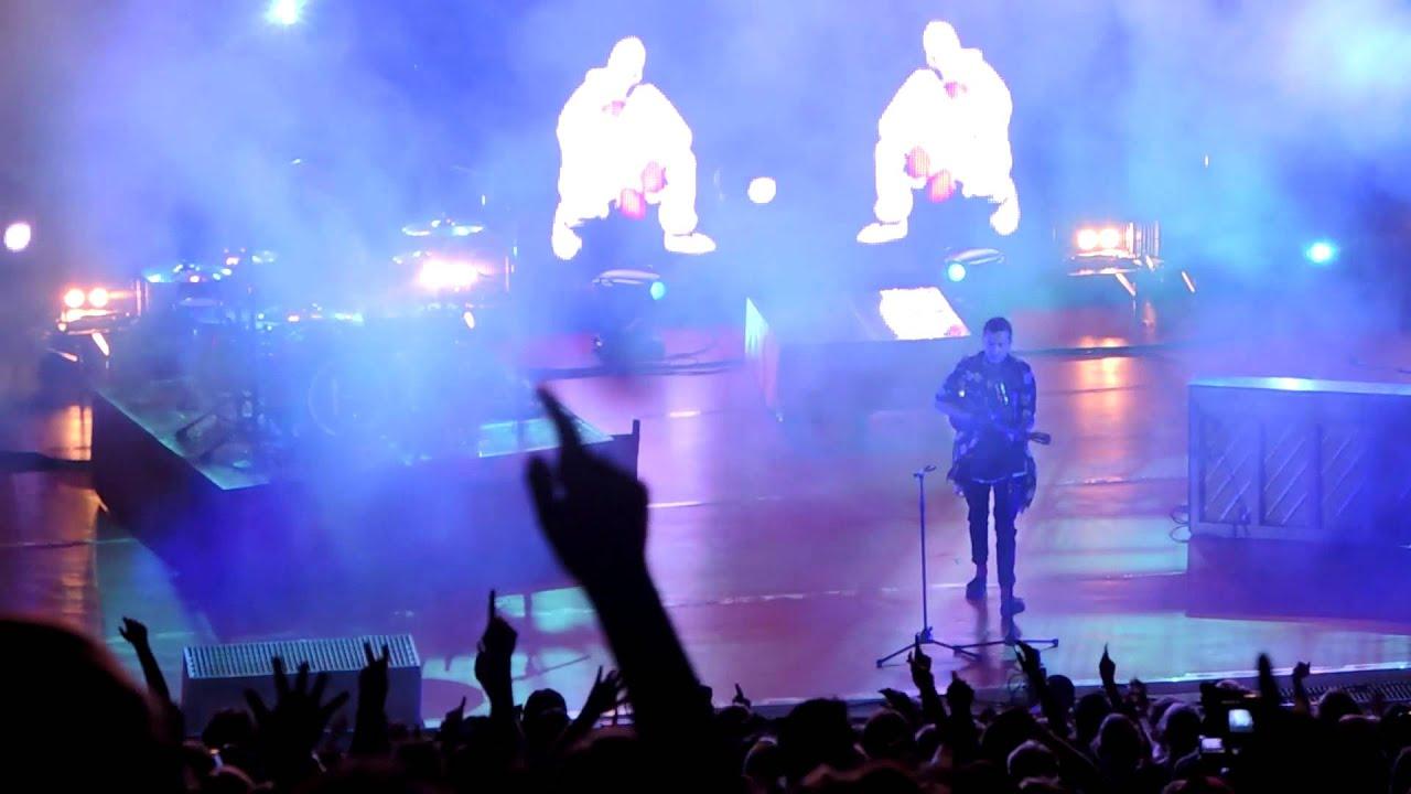 Download Lane Boy - Twenty One Pilots (Live at Red Rocks)