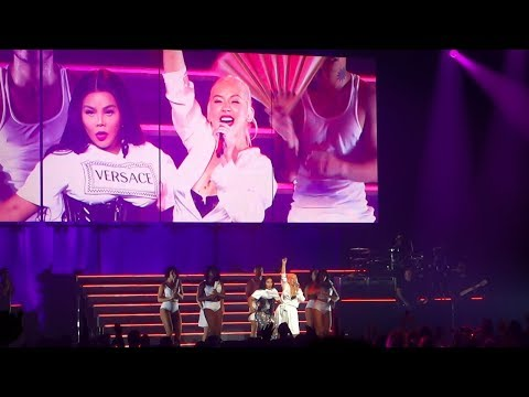 Christina Aguilera & Lil' Kim - Lady Marmalade Live @ Radio City Music Hall, New York (2018)