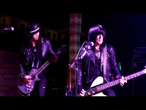 LA Guns - Flood is the Fault of the Rain