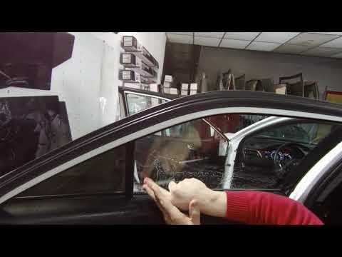 Вопрос: Как чистить тонированные стекла автомобиля?