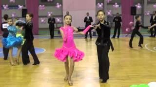 Танец самба (Samba) - юниоры 1 (финал) - Чемпионат по спортивным танцам-2015 (Сумы)(Открытый чемпионат по спортивным танцам в г. Сумы (Украина) 6 декабря 2015 года. Латиноамериканская программа:..., 2015-12-16T17:29:22.000Z)