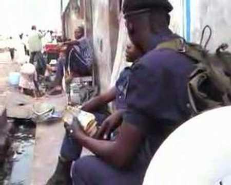 Kinshasa Policiers voleurs 3