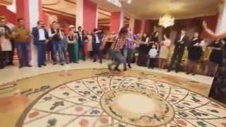 Красиво танцуют лезгинку на свадьбе - высший класс Аассааа(Спасибо за просмотр!▱ ▱Cтавь палец ВЕРХ.▱ ▱Подписывайтесь на канал.▱ ▱▱▱▱▱▱▱▱▱▱▱▱▱▱▱▱ ▷Подпис..., 2014-05-21T14:12:51.000Z)
