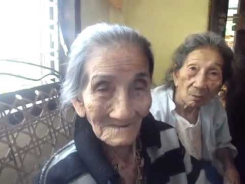 99 year old sings LUPANG HINIRANG ENGLISH VERSION by Lola Barbara