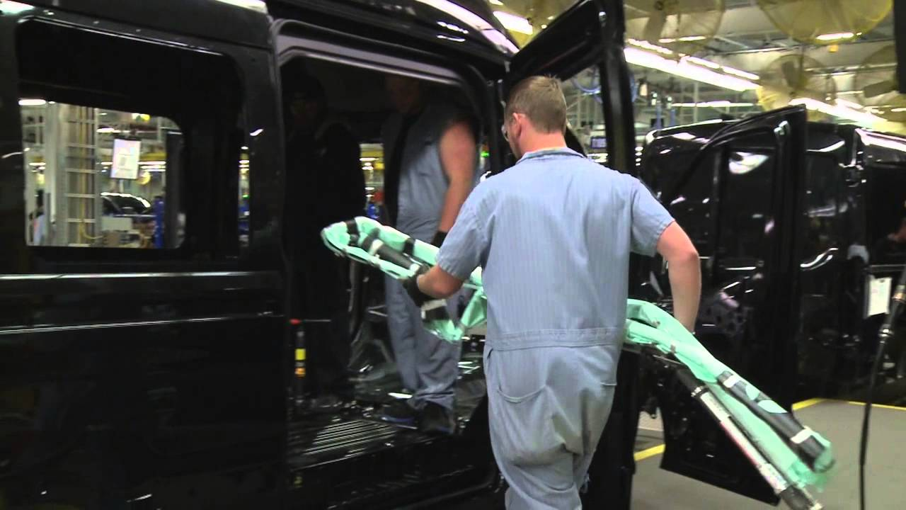 Ford Transit Wagon >> 2015 Ford Transit with five-row side curtain airbag - YouTube
