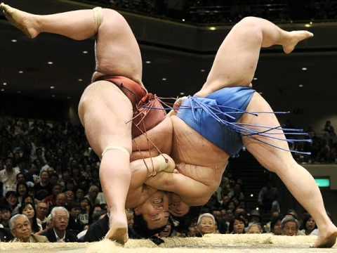 SUMO . Радио прикол из Японии о схватке сумоистов.