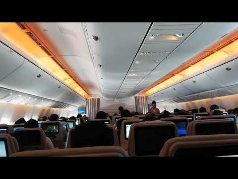 Fly Emirates Ek621 Airplane From Pak To Dubai