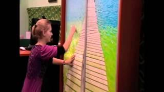 видео Самоклеющиеся обои (пленка) для стен и дверей: кухни, ванной и любой комнаты