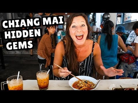 TOP 13 MUST EAT FOODS in Chiang Mai, Thailand (DIY Thai Food Tour)