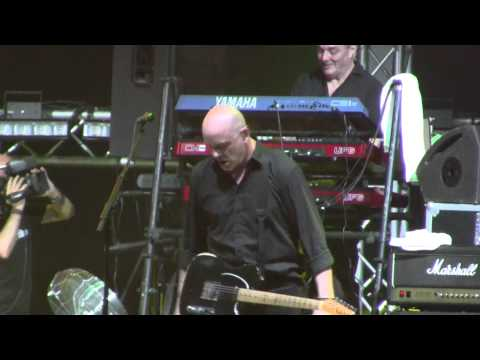 THE STRANGLERS - Golden brown (live Benicassim Festival - FIB) (15-7-2011)
