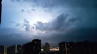 Аномальная гроза, молния, гром, дождь, буря, ураган в Москве.