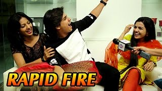 Abhinay Berde, Aarya Ambekar's Candid Rapid Fire  Ti Saddhya Kay Karte  Marathi Movie 2017