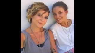 Selfie - Janina Uhse & Linda Marlen Runge