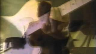 Смотреть клип Pretenders - Show Me