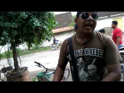Lagu Lungset Cover By Pengamen (Versi Keroncong)