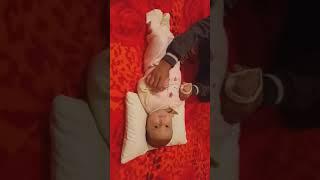 اريج و عزيدين يغنون اغنية للاطفال تابعوها يوميات اريج و عزدين