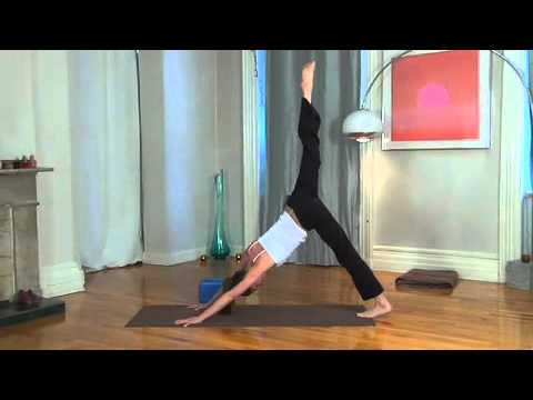Tara Stiles - 30 Minute Yoga Routine