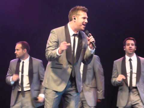Straight No Chaser 'Jingle Bell Rock'