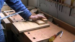 Basic furniture making skills. How to use a tennon saw