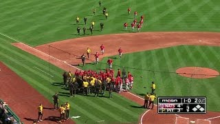 WSH@PIT: Cole gets tossed after throwing behind Kang