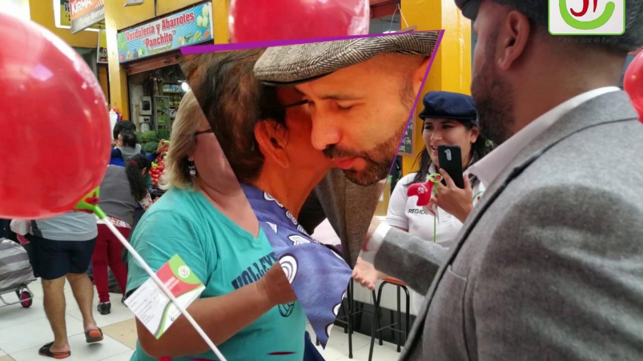 Marco Gutti Alcalde caminata por día de la madre- Mercado Bolivar ...