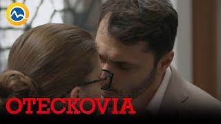 OTECKOVIA - Začína sa zasa niečo medzi Alexom a Emou?