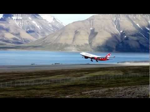 Airberlin Takeoff from Svalbard, Longyear Airport, Extreme cross wind