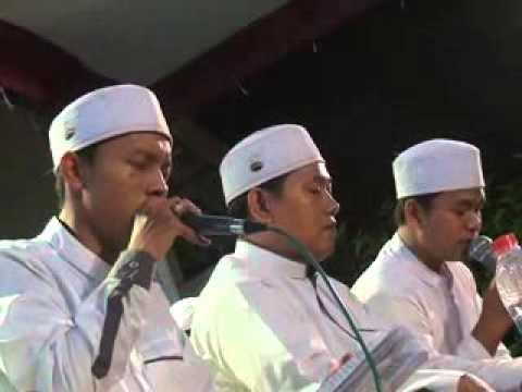 Al Munsyidin terbaru (2015) Live in Petukangan Wiradesa